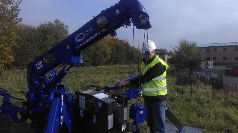 crane-retrieve-borehole-pump