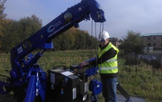 crane-retrieve-borehole-pump